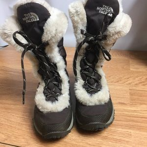 The North Face Winter Grip Lace Up Boots Size 6.5